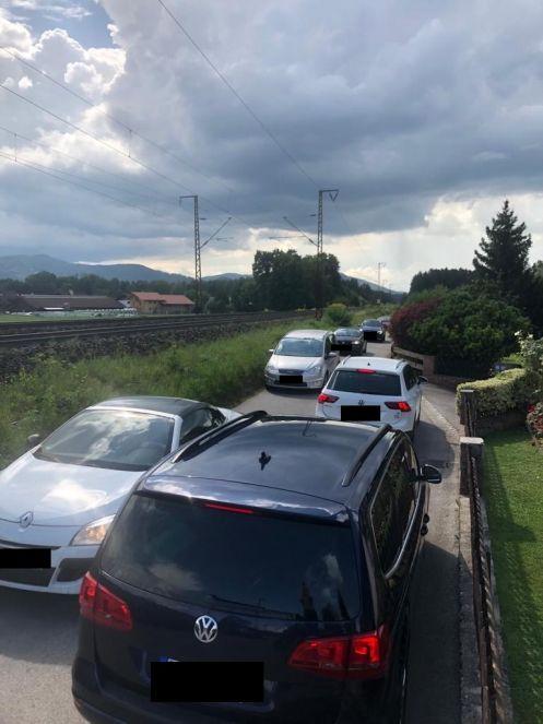 Verkehr Perach 3 -497-